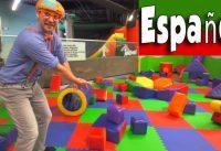 maxresdefault 194 200x137 - Blippi Español Jugando en el Patio de Juegos | Aprende Sobre Colores y Músculos para Niños